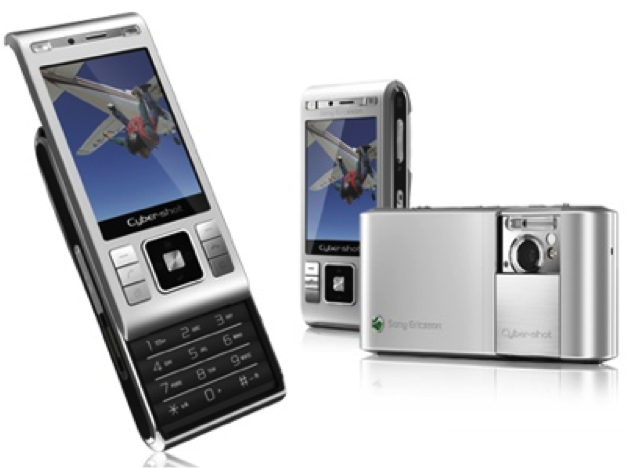 The many faces of the Sony Ericsson C905